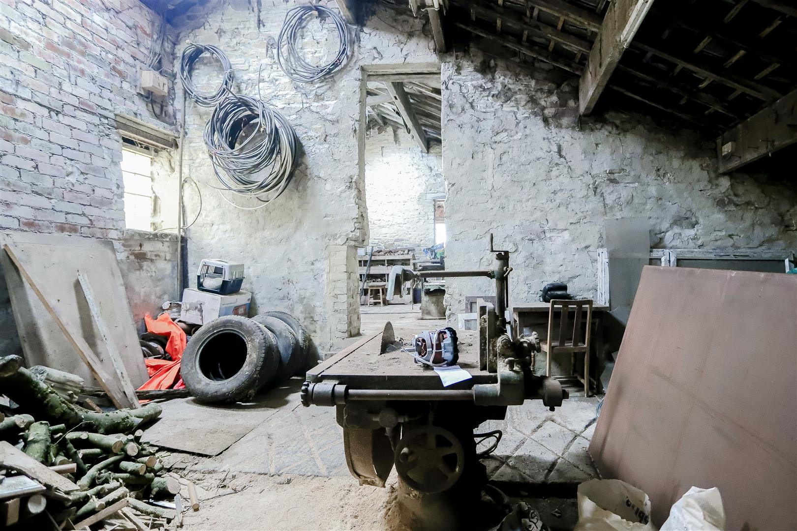 2 Bedroom Barn Conversion For Sale - IMG_2391.jpg